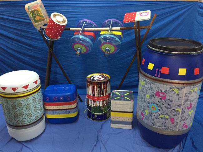 全港首支塑膠樂隊「自然遊樂Plastic Band」 - 利用環保物料設計而成的Drum Set。