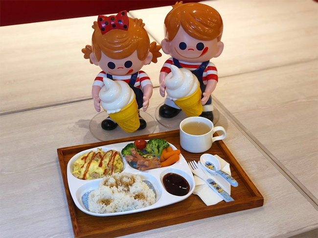 宏 豚肉, 日本雞蛋配日本新潟米飯及日本青森蘋果汁