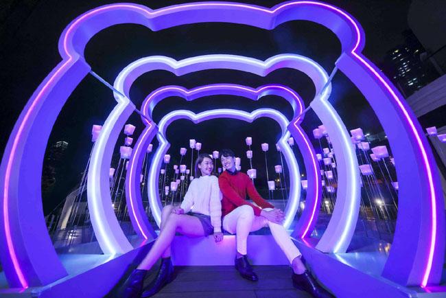 青衣城「聖誕馬戲『風』玩飄雪樂園」過百隻毛毛熊組打卡牆