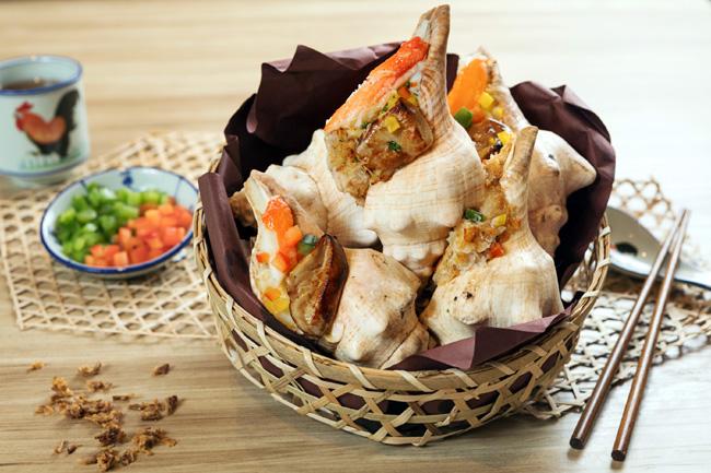 蟹肉鵝肝焗響螺 Grilled sea whelk with foie gras and crab meat