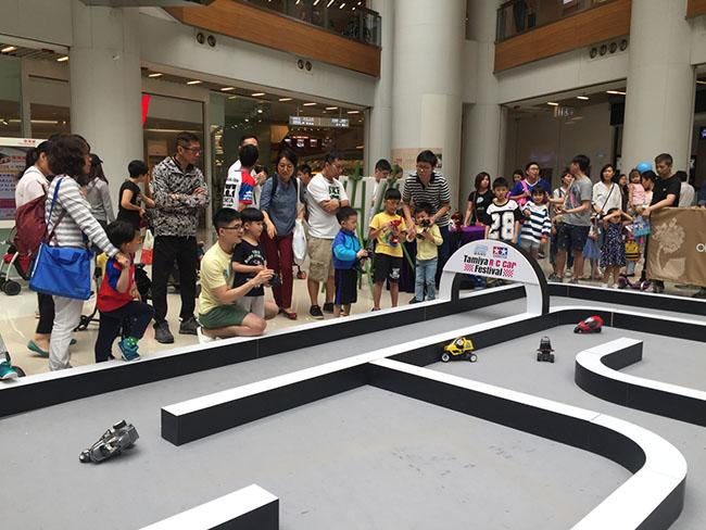 大眾可免費試玩最新款田宮遙控三輪車