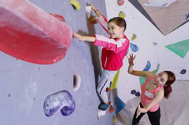 小朋友透過攀石運動,鍛練永不放棄、積極向上的正面態度!