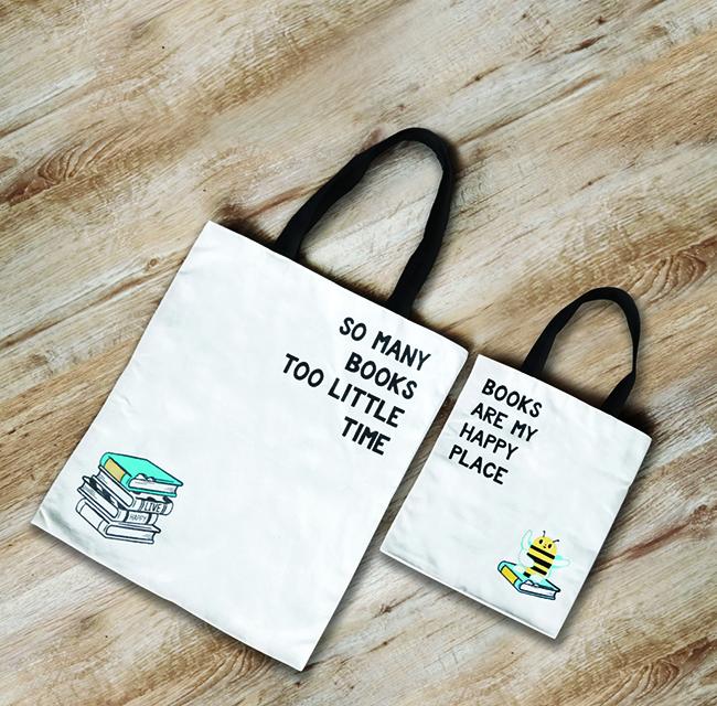 活動推廣期內,顧客於太古城中心以即日電子貨幣消費滿港幣2,000元,即可換領書蟲親子tote bag