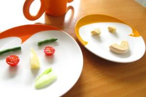 20120531-COOKINGlv3-Paul_n_Kate_Smiley_Plates_for_Kids-2