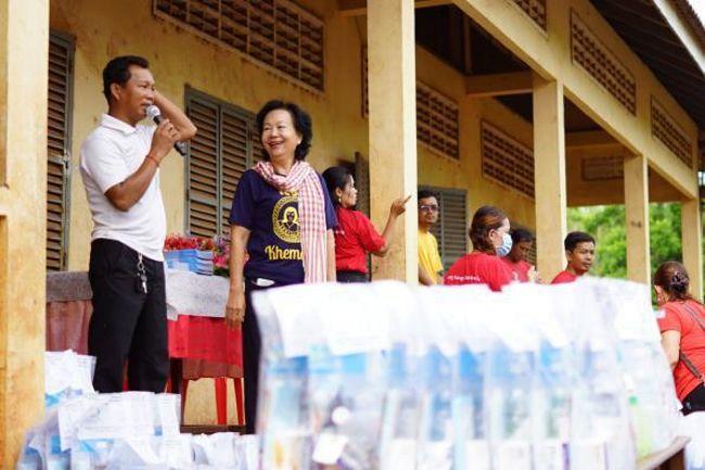 柬埔寨「愛與關顧學校計劃」