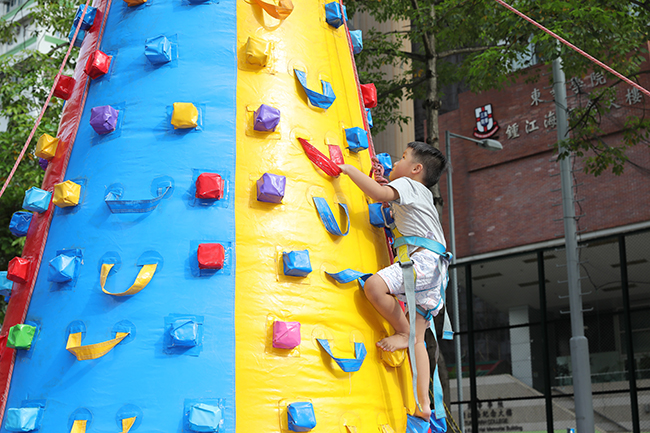 CSW 2018_Inflatable Climbing Wall