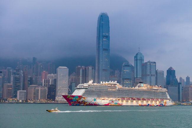 星梦邮轮扎根香港母港盛大首航