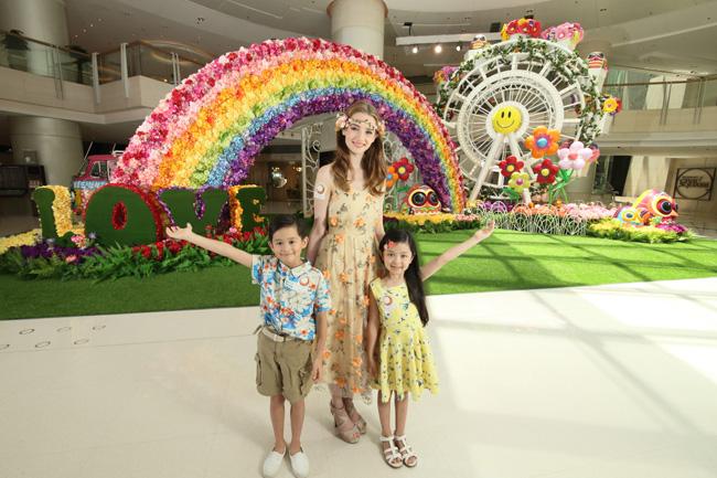 ELEMENTS圓方把繽紛的花兒變得更立體,為顧客帶來一段創意夢幻的繁花之旅!