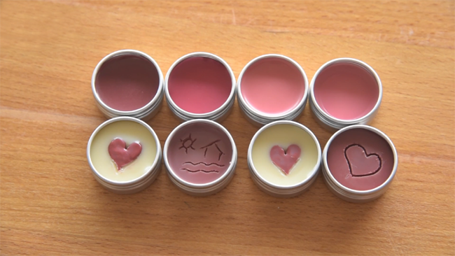Kiss balm with colours