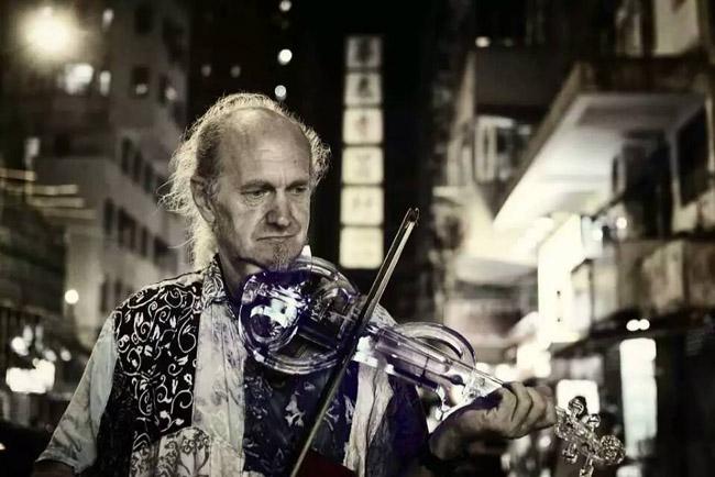 led-violin-performance
