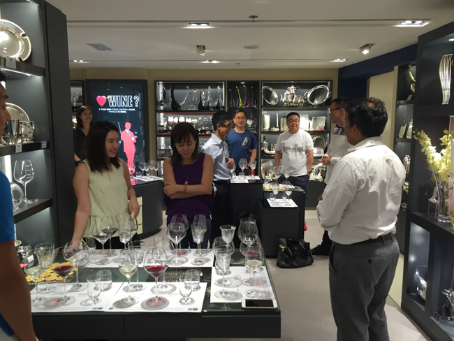 landmark-princes_homeware-lifestyle-workshop_townhouse_glass-tasting_1