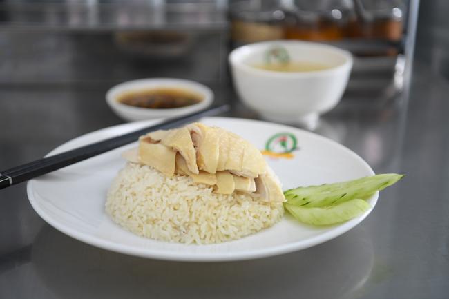 曼谷水門街的正宗泰式雞飯味道
