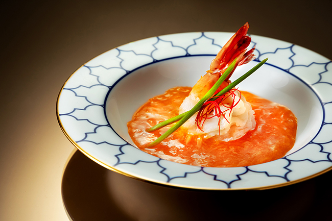 Steamed prawn with egg white and crab meat sauce