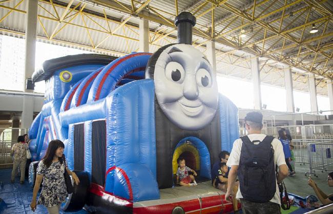 Thomas & Friends火車吹氣彈床_LR