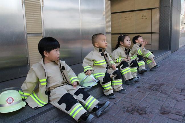 junior fireman 02